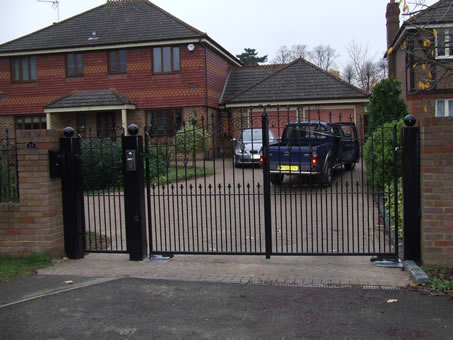 Automated Security Gate Photo