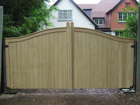 Automated Wooden Gate Picture